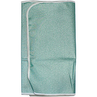 Чехол для гладильной доски Maxi тефлоновый, 53х156, цвет: зеленый451260аТефлоновый чехол Maxi для гладильной доски изготовлен из высококачественной тефлоновой ткани. Применение тефлона позволяет добиться эффектадвустороннего глажения.Чехол с термостойким тефлоновым покрытием практически не пригорает под утюгом, и к нему не липнет ткань из синтетики.Чехол снабжен стягивающим шнуром, при помощи которого Вы легко отрегулируете оптимальное натяжение чехла и зафиксируете его на рабочей поверхности гладильной доски. Характеристики: Состав: тефлоновое полотно, поролон. Размер: 53 см х 156 см. Артикул: Е121. Изготовитель:Россия.