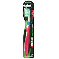 Зубная щетка Reach Fresh Breath, средняя жесткостьDB4010(DB4.510)/голубой/розовыйЗубная щетка Reach Fresh Breath с разноуровневой средней жесткости щетиной и щеткой для языка обеспечивает эффективную чистку межзубных пространств и дальних зубов. Щетка находится на обратной стороне головной части зубной щетки. Характеристики: Материал: нейлоновые волокна, полипропилен. Длина щетки: 19 см. Производитель: Германия. Товар сертифицирован.