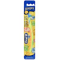 Oral-B Зубная щетка для младенцев Stages 1 мягкая цвет салатовыйCF5512F4Зубная щетка Oral-B Expert Stages 1 специально разработана для первых зубов и младенческих десен. Ручка спроектирована для родительской руки.У зубной щетки Oral-B Expert Stages 1 уникальная головка с мягким покрытием, разработана для защиты нежных десен ребенка.Очень мягкие щетинки разработаны специально для мягкой чистки и массажа появляющихся зубов и нежных десен.Ручка из нескользящего в руке материала разработана, чтобы помочь родителям чистить ребенку зубы и десна. Характеристики: Длина щетки: 14,5 см. Жесткость: очень мягкая. Рекомендуемый возраст: 4-24 месяца. Артикул: 2096309. Изготовитель: Ирландия.