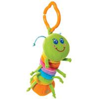 """Развивающая игрушка """"Гусеничка"""" предназначена для новорожденных малышей. Благодаря пластмассовому кольцу игрушку можно легко и быстро прикрепить к дугам развивающего коврика, повесить над кроваткой малыша, на автокресло или прогулочную коляску. Ребенок рассматривает яркую гусеничку, висящую над ним, трогает ее и получает первое представление о цвете, форме, материале. Если растянуть туловище-гармошку гусенички, сшитое из разноцветных лоскутков, на всю длину и отпустить, то она начинает вибрировать со смешным шумом. У гусенички в голове спрятан звонкий колокольчик, а в хвостике - веселая погремушка! Компания """"Tiny Love"""" более 30 лет специализируется на создании уникальных развивающих игрушек для первых лет жизни ребенка. Лозунг """"Tiny Love"""" - """"стремление к совершенству"""". В течение многих лет компания изучала стадии развития ребенка и привносила знания в занимательные интерактивные игрушки, способные развивать навыки. """"Tiny Love"""" постоянно..."""