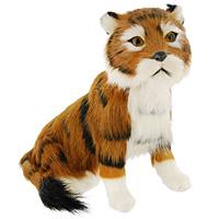 Тигр сидящий. T2020k-CT2020k-CТигр - самый крупный зверь из семейства кошачьих и один из крупнейших хищников. Сидящий тигр дополнит интерьер вашей комнаты и послужит отличным подарком.Пластиковая фигурка обтянута натуральным мехом.Мех обработан специальным раствором, который предотвращает появление в мехе моли и служит прекрасным антиаллергенным средством. Характеристики: Материал: пластик, мех козы. Высота: 18 см. Производитель: США. Артикул: T2020k-C.