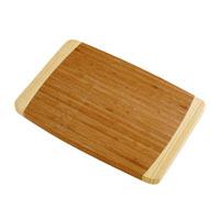 Доска разделочная Tescoma, 40 см х 26 см. 37981668/5/3Доска разделочная Tescoma станет незаменимым атрибутом приготовления пищи. Она выполнена из первоклассной высокопрочной древесины бамбукаи идеально подходит для разделки мяса, рыбы, приготовления теста и нарезки любых продуктов, а особый дизайн ее поверхности предотвращает скольжение ножа. Современный стильный дизайн и функциональность разделочной доски Tescoma позволит занять достойное место на вашей кухне. Характеристики: Размер доски:40 см х 26 см х 2 см. Материал:дерево. Производитель:Чехия. Артикул:379816.