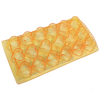 Форма для льда Сердце, цвет: персиковый прозрачный, 18 ячеекVT-1520(SR)Форма для льда Сердце выполнена из силикона. На одном листе расположено 18 формочек в виде сердец. Благодаря тому, что формочки изготовлены из силикона, готовый лед вынимать легко и просто. Чтобы достать льдинки, эту форму не нужно держать под теплой водой или использовать нож. Теперь на смену традиционным квадратным пришли новые оригинальные формы для приготовления фигурного льда, которыми можно не только охладить, но и украсить любой напиток. В формочки при заморозке воды можно помещать ягодки, такие льдинки не только оживят коктейль, но и добавят радостного настроения гостям на празднике!Размер общей формы: 23 см х 11,5 см х 2,5 см.Размер одной формочки: 3 см х 3 см.