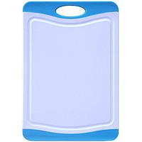 Доска разделочная Atlantis Microban 20x14см, цвет: голубой F-B-B54 009312Кухонная доска от Atlantis прямоугольной формы с контрастными синими вставками, выполненная из пластика, обладает целым рядом преимуществ, а именно: удобная ручка не скользит по поверхности стола можно использовать обе стороны доски непористая поверхность можно мыть в посудомоечной машине не впитывает запах продуктов ножи не затупляются при использовании. Доска обработана специальным покрытием Microban. Покрытие Microban - самое надежное в мире средство для защиты от бактерий, грибков, плесени и запахов. Действует постоянно, даже после мытья, обеспечивая большую защиту доски. Антибактериальная защитаработает на протяжении всего срока службы разделочной доски. Характеристики: Материал: пластик. Размер: 20 см х 14 см х 0,7 см. Производитель:Китай. Артикул: F-В-B.
