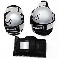Защита роликовая Larsen P3G. Размер MPW-316PРоликовая защита Larsen P3G состоит из налокотников, наколенников и защиты запястья. Такая роликовая защита будет отличным дополнением к Вашим роликам.