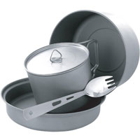 Набор походной посуды Adrenalin Titanium Kit, 5 предметов20353Набор сверхлегкой компактной походной посуды Adrenalin Titanium Kit, включающий в себя кастрюлю, сковородку, съемную ручку для них, кружку с крышкой и ложку-вилку, идеально подойдет для приготовления пищи для 1-2 человек. Посуда изготовлена из титана, легкая и компактно складывается, поэтому не займет в походном рюкзаке много места. Сковородку можно использовать как крышку на кастрюлю, а ложка-вилка объединяет в себе сразу два столовых прибора. Для удобства хранения и транспортировки набор комплектуется чехлом.Adrenalin - целый мир товаров, которые делают вашу жизнь комфортнее и интереснее. Даже если вы находитесь вне зоны привычных удобств: за городом, на даче, в походе, на рыбалке, на работе и в командировке.Объем кружки: 0,56 л.Объем кастрюли: 1,36 л.Объем сковороды: 0,51 л.Длина ложки-вилки: 16 см. Размер кружки: 10 см х 7 см х 10 см.Размер кастрюли: 15 см х 8 см х 15 см.Размер сковороды: 15,5 см x 3 см х 15,5 см.
