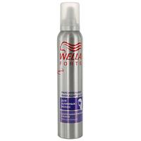 Пена для укладки длинных волос Wella Forte, максимальная фиксация, 200 млWF-81155212Пена для укладки волос Wella Forte максимальной фиксации придает длительную фиксацию в течение дня. Идеально подходит для длинных волос. Обеспечивает контроль над непослушными волосами и придает блеск. Помогает защитить волосы от действия УФ-лучей.Характеристики: Объем: 200 мл. Производитель: Франция. Товар сертифицирован.