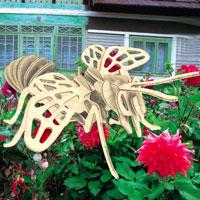 """Сборная деревянная модель """"Пчела"""" позволит Вам и Вашему ребенку собрать объемную деревянную скульптуру в виде пчелы. Модель для сборки развивает мелкую моторику, ителлектуальные способности, воображение и конструктивное мышление, тренирует терпение и усидчивость."""
