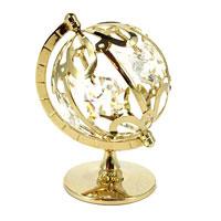 Миниатюра Глобус, цвет: золотистый, 7 см10189Миниатюра Глобус, золотистого цвета, станет необычным аксессуаром для Вашего интерьера и создаст незабываемую атмосферу. Кристаллы, украшающие сувенир, носят громкое имяSwarovski - ограненные, как бриллианты, кристаллы блистают сотнями тысяч различных оттенков.Эта очаровательная вещь послужит отличным подарком близкому человеку, родственнику или другу, а также подарит приятные мгновения и окунет Вас в лучшие воспоминания. Характеристики: Материал: металл (углеродистая сталь, покрытие золотом 0,05 микрон), австрийские кристаллы. Размер: 7 см х 5 см х 4,5 см. Цвет: золотистый. Размер упаковки: 9 см х 7 см х 2 см. Изготовитель: Польша. Артикул: 67092. Более чем 30 лет назад компанияCrystocraftвыросла из ведущего производителя в перспективную торговую марку, которая задает тенденцию благодаря безупречному чувству красоты и стиля. Компания создает изящные, качественные, яркие сувениры, декорированные кристалламиSwarovskiразличных размеров и оттенков, сочетающие в себе превосходное мастерство обработки металлов и самое высокое качество кристаллов. Каждое изделие оформлено в индивидуальной подарочной упаковке, что придает ему завершенный и презентабельный вид.