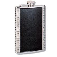Фляга S.Quire, 180 мл. 1406YGBVIC3 silverМеталлическая фляга S.Quire с вставками из искусственной кожи предназначена для воды и различных спиртных напитков. Легкая, прочная, удобной формы, такая фляга идеально подходит для походов и путешествий.S.Quire - это коллекция модных, элегантных, стильных аксессуаров для мужчин, разработанная европейскими дизайнерами и отражающая все тенденции современной моды. В коллекцию S.Quire входит широкий ассортимент разнообразных товаров: фляги, заколки для галстуков, запонки, брелоки, бритвенные наборы, кружки, термосы, портсигары, пепельницы, изделия из кожи, винные аксессуары и наборы с различной комплектацией вышеперечисленных аксессуаров. Характеристики: Материал: сталь, искусственная кожа. Размер фляги: 9,5 см х 13 см х 2 см. Объем: 180 мл. Производитель: Италия. Артикул: 1406YGB.