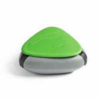 Контейнер для специй SpiceBox, цвет: зеленый40273310Контейнер для специй SpiceBox - это компактный, водонепроницаемый и герметичный контейнер для трех видов специй (можно использовать также для медикаментов). Изготовлен из экологически безвредного материала, противоударный, не тонет в воде. Состоит из трех отделений. Чтобы высыпать часть содержимого, нужно просто отогнуть один из трех резиновых фиксаторов контейнера.