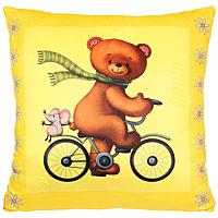 """Яркая подушка """"Мишка"""" очень мягкая и приятная на ощупь, она станет прекрасным украшением интерьера детской комнаты, а также любимой игрушкой вашего малыша, так как подушка оформлена изображением симпатичного медведя на велосипеде. Эта подушка не оставит равнодушным не только ребенка, но и взрослого и станет отличным подарком для любителя оригинальных вещей."""