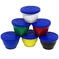 Набор пальчиковых красок Carioca, 6 цветовFS-00261Набор красок Carioca идеально подходят для малышей, которые еще не умеют держать в руках кисточку. Ребенок может рисовать прямо пальцами, всей ладонью или даже ступнями. Краски экологичны и безопасны, легко смываются водой и отстирываются с большинства тканей. В набор входят 6 выразительных цветов и фартучек.Рисование пальчиковыми красками помогает развить ребенку координацию, осязательные навыки, чувство цвета. Характеристики: Масса одной баночки с краской:130 мл. Размер упаковки:23,5 см х 7 см х 11 см.