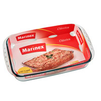 Форма для запекания Marinex Classica, 5,3 л54 009312Прямоугольная форма для запекания Marinex Classica изготовлена из жаропрочного боросиликатного стекла. Форма идеально подходит для использования в духовках, микроволновых печах, холодильных и морозильных камерах, посудомоечных машинах. Жаропрочная форма для запекания Marinex станет незаменимым помощником у вас на кухне. Характеристики:Материал: боросиликатное стекло. Объем формы: 5,3 л. Размер формы (с ручками): 40,4 см х 24,9 см х 7 см. Изготовитель: Бразилия. Артикул: GD1.6538.41-4.