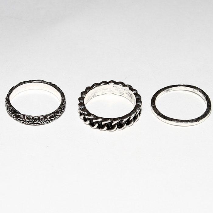Набор колец Fashion House, 3 шт. FH26976Ожерелье (короткие многоярусные бусы)Набор колец Fashion House изготовлен из металла. Этот набор позволит вам с легкостью воплотить самую смелую фантазию и создать собственный, неповторимый образ. Характеристики: Материал: металл. Ширина широкого кольца: 0,5 см. Ширина среднего кольца: 0,3 см. Ширина узкого кольца: 0,15 см. Размер колец: 17. Производитель: Китай. Артикул: FH26976.