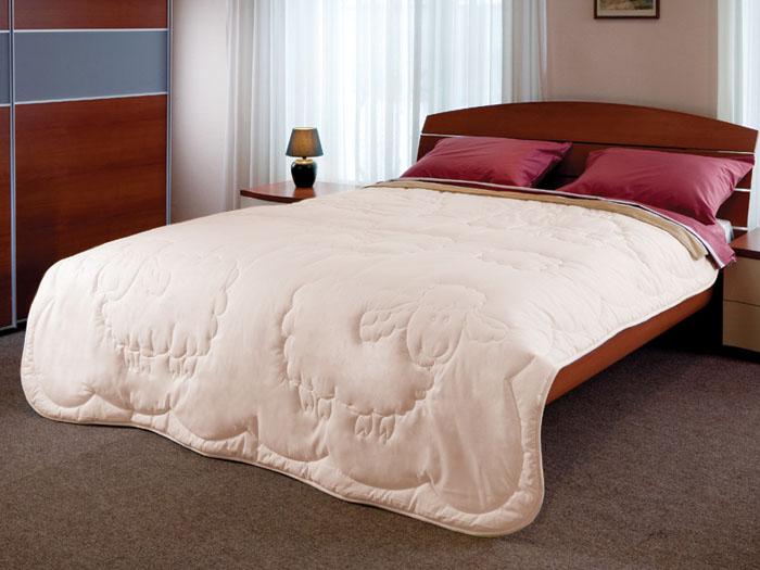 Одеяло Dolly, 172 см х 205 см120660101Натуральная хлопковая ткань и овечья шерсть - прекрасные дары природы. Именно это сочетание используется для теплого и легкого одеяла Dolly. Благотворное влияние овечьей шерсти на организм заключается в стимулировании кровообращения, в облегчении ревматических и суставных болей. Ланолин, который содержится в шерсти, препятствует старению кожи.Художественная стежка в виде овечки добавляет одеялу привлекательности.Характеристики:Материал чехла: хлопковая ткань. Наполнитель: овечья шерсть. Размер одеяла: 172 см х 205 см. Производитель: Россия.Степень теплоты: 3.ТМ Primavelle - качественный домашний текстиль для дома европейского уровня, завоевавший любовь и признательность покупателей. ТМ Primavelleрада предложить вам широкий ассортимент, в котором представлены: подушки, одеяла, пледы, полотенца, покрывала, комплекты постельного белья. ТМ Primavelle- искусство создавать уют. Уют для дома. Уют для души.