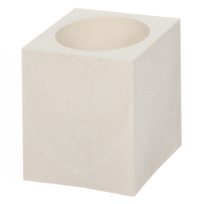 Подставка для канцелярских принадлежностей Cubo EcoDBd_00029_красныйСтильная подставка для канцелярских принадлежностей Cubo Eco выполнена из натурального растительного материала, добытого из древесины. Подставка имеет одно отделение. Такая подставка позволит вам держать рабочее пространство в порядке и добавит оригинальности в офисный интерьер. Характеристики: Размер: 7,5 см x 9 см х 7,5 см. Материал: древесина.