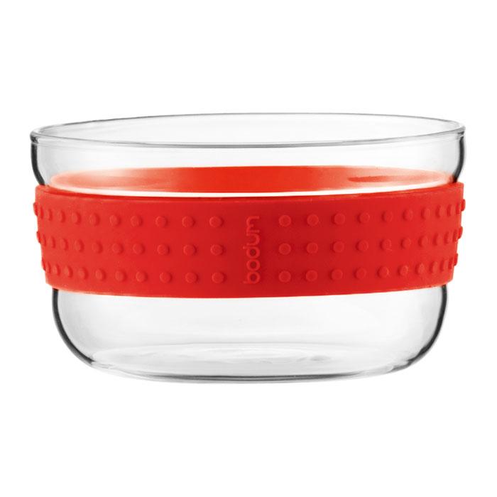Набор салатников Bodum Pavina 2 шт, 12,5см, цвет: красный 11336-29454 009312Набор Bodum Pavina состоит из двух салатников, выполненных из боросиликатного стекла. Они отличаются высокой прочностью, а также прослужат вам долгое время и не потускнеют даже после многократного мытья в посудомоечной машине. Силиконовый ободок салатника не дает ему выскользнуть из рук и придает столу яркую нотку. Салатники можно использовать в микроволновой печи, ставить в морозильную камеру и мыть в посудомоечной машине. Характеристики:Материал:боросиликатное стекло, силикон. Диаметр салатника по верхнему краю:12,5 см. Высота салатника:6,5 см. Комплектация:2 шт. Цвет: красный. Размер упаковки:25,5 см х 7,5 см х 13 см. Производитель: Швейцария. Артикул: 11336-294.