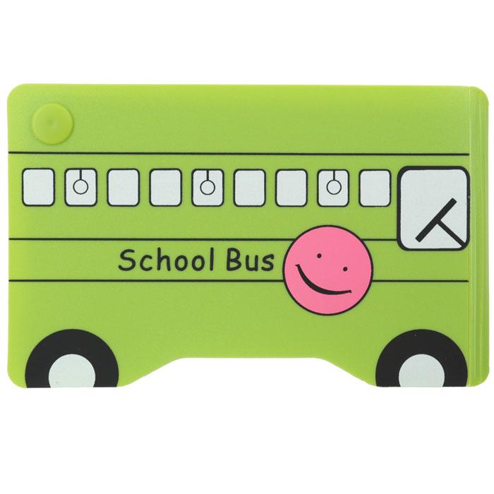 Кредитница Зеленый автобусW0M11UGRJСтильная кредитница Зеленый автобус рассчитана на 10 карточек. Файлы из мягкого прозрачного пластика бережно сохранят ваши визитки и кредитные карты в одном месте. Нужная кредитка легко извлекается из обложки, благодаря специальному уголку. Обложка выполнена в виде школьного автобуса зеленого цвета. Характеристики: Размер кредитницы: 11,5 см х 7,3 см х 1 см.Материал: ПВХ, пластик. Изготовитель:Китай. Артикул: SD-7107.