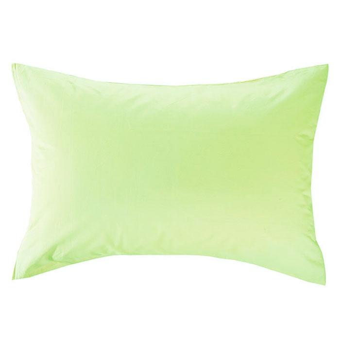 Наволочка Style, цвет: зеленый, 52 х 74 смES-412Наволочка Style изготовлена из натурального хлопка Prima и безопасна даже для самых маленьких членов семьи. Она обладает высокой плотностью, необычайной мягкостью и шелковистостью. Наволочка из такого хлопка выдержит большое количество стирок и не потеряет цвет. Выбрав наволочку нужной вам расцветки, вы можете легко комбинировать ее с различным постельным бельем. Характеристики: Материал: 100% хлопок. Размеры: 52 см х 74 см. Цвет: зеленый. Артикул: 113911110-21. Изготовлено в Китае по заказу ООО Мягкий дом.ТМ Primavelle - качественный домашний текстиль для дома европейского уровня, завоевавший любовь и признательность покупателей. ТМ Primavelleрада предложить вам широкий ассортимент, в котором представлены: подушки, одеяла, пледы, полотенца, покрывала, комплекты постельного белья.ТМ Primavelle- искусство создавать уют. Уют для дома. Уют для души.
