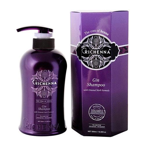 Шампунь для волос Richenna. Gin, с хной и можжевельником, 500 млFS-00897Шампунь Richenna. Gin с хной, можжевельником и комплексом восточных трав рекомендуется для длинных, сухих и поврежденных волос и сухой кожи головы, профилактики перхоти и выпадения волос, для оздоровления волос и кожи головы. Мягко очищает волосы и кожу головы, эффективно снижает выпадение волос и предупреждает появление перхоти, регулирует работу сальных желез. Предотвращает ломкость волос. Придает объем тонким волосам и сохраняет цвет окрашенных волос. Продукт обладает высокой вязкостью. Рекомендуется для ежедневного применения. Характеристики:Объем: 500 мл.Артикул: 10401.Производитель: Корея.Товар сертифицирован.
