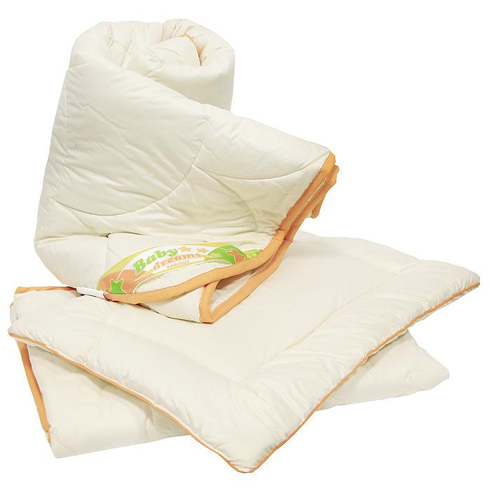 Комплект в кроватку Винни: одеяло, подушка, наматрасник. НВН2-2-0S03301004Комплект в кроватку Винни, состоящий из одеяла, подушки и наматрасника, станет настоящим другом малышу, защитит его от вредных микробов, а способность шерсти сохранять тепло и рассеивать излишнюю влагу делает его идеальным выбором для детской спальни.Овечья шерсть обладает удивительными антибактериальными и противовоспалительными свойствами.Очень важно, чтобы ваш малыш хорошо спал - это залог его здоровья, а значит вашего спокойствия. Согласно рекомендациям детских врачей, лучше всего приобретать изделия только с натуральными наполнителями. Они обеспечивают идеальный термо- и гидробаланс сна вашему малышу.Характеристики: Материал чехлов: 100% хлопок.Материал наполнителя: 100% овечья шерсть.Размер одеяла: 110 см х 140 см.Размер подушки: 40 см х 60 см.Размер наматрасника: 70 см х 140 см.Производитель: Россия.Артикул: НВН2-2-0.На сегодняшний день Kariguz является одним из самых успешных российских производителей постельных принадлежностей. В своей работе компания ориентируется на высочайшие европейские стандарты качества, успешно применяя самые передовые технологии и разработки как зарубежных, так и российских специалистов. Многогранный высокотехнологичный процесс производства, включающий этапы мойки, сушки, сортировки, обеспыливания, озонирования, обеспечивает превосходство в производительности и качестве готовых пухо-перовых изделий.