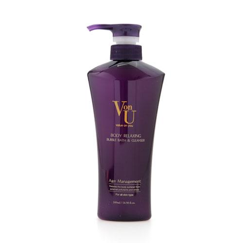 Пена для ванн Von-U, расслабляющая, 500 мл0592Расслабляющая пена для ванн Von-U образует легкую нежную пену, деликатно очищает кожу. Экстракты лаванды и ромашки успокаивают, оказывают противовоспалительное действие. Экстракт икры активизирует процессы регенерации. Наноплатина сохраняет влажность кожи и позволяет ей надолго оставаться гладкой и бархатистой.Великолепный фруктово-цветочный аромат освежает и снимает усталость.Характеристики:Объем: 500 мл.Артикул: 14701.Производитель: Корея.Товар сертифицирован.