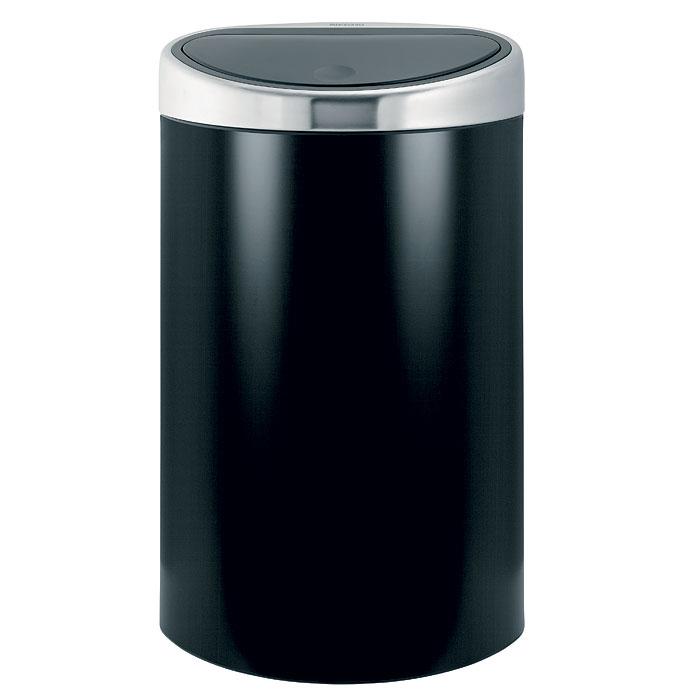 Бак мусорный Brabantia Touch Bin, с защитой от отпечатков пальцев, цвет: черный матовый, 40 л531-401Стильный Touch Bin на 40 литров – непременный атрибут каждой гостиной или кухни. Порадуйте себя и удивите гостей! Бесшумное открывание/закрывание крышки легким касанием - система soft touch;Удобная смена мешков для мусора - съемный блок крышки из нержавеющей стали;Эргономичное использование - плоская задняя стенка позволяет устанавливать бак вплотную к стене или в углу;Удобная очистка – съемное внутреннее ведро из пластика с вентиляционными отверстиями, предотвращающими образование вакуума при вынимании полного мусорного мешка;Легкое перемещение с места на место - прочная ручка для переноски; Предохранение пола от повреждений - пластиковый защитный обод; Бак изготовлен из коррозионно-стойких материалов – долговечность и удобство в очистке;Всегда опрятный вид - идеально подходящие по размеру мешки для мусора с завязками (размер L); 10-летняя гарантия Brabantia. Цвет: матовый черный