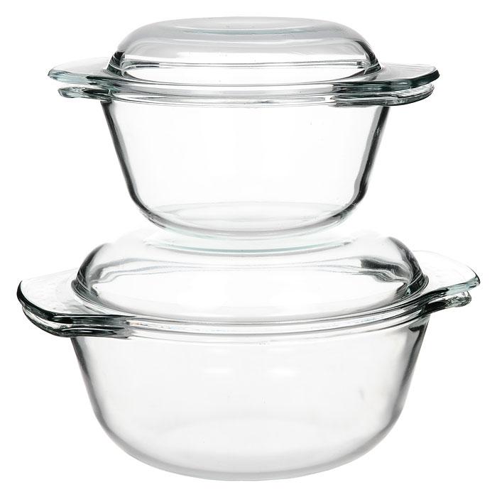 Набор кастрюль Unit из закаленного стекла, 2 предмета391602С набором кастрюльUnit, выполненный из закаленного стекла, вы всегда будете готовить вкусную и полезную пищу.Посуда из закаленного стекла обладает замечательными гигиеническими свойствами. Стекло совершенно инертно к любой пище и не дает никаких посторонних привкусов и запахов. Посуда торговой маркиUnitфункциональна и универсальна, изысканный дизайн и эргономичность в использовании превратят будничную обязанность в настоящее удовольствие и подвигнут вас на создание настоящих кулинарных шедевров. В набор входит 2 кастрюли с крышками.Основные достоинства предлагаемой кастрюли: посуда из закаленного стекла не поддается образованию накипи;в этой посуде можно хранить готовое блюдо;можно использовать в микроволновой, конвекционной печи и духовке;подходит для хранения продуктов в холодильнике и морозильной камере;можно мыть в посудомоечной машине;устойчива к температурам от -30°C до +250°C;идеально подходит для сервировки стола. Характеристики:Материал:закаленное стекло. Объем большой кастрюли:2 л. Диаметр большой кастрюли без ручек: 19,5 см. Длина большой кастрюли с ручками: 24,5 см. Глубина большой кастрюли:9 см. Объем малой кастрюли:1 л. Диаметр малой кастрюли без ручек: 15см. Длина малой кастрюли с ручками: 20 см. Глубина малой кастрюли:8 см. Размер упаковки: 25,5 см х 15,5 см х 21 см. Производитель: Австрия. Изготовитель: Китай. Артикул: UCW-5100.