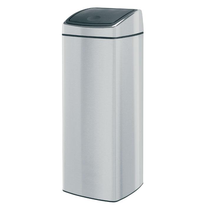 Бак мусорный Brabantia Touch Bin, прямоугольный, с защитой от отпечатков пальцев, цвет: матовая сталь, 25 л531-105Ищите решение для рационального использования пространства в ванной комнате? Решение – прямоугольный Touch Bin на 25 литров. Поставить на пол или прикрепить к стене – решать вам!Бесшумное открывание/закрывание крышки легким касанием – система soft touch; Компактный бак – удобно устанавливается вплотную к стене или в угол; Может устанавливаться на пол или крепиться на стену – поставляется с крепежным кронштейном; Удобная очистка – прочное съемное внутреннее ведро из пластика;Широкое загрузочное отверстие и большая вместимость – идеально подходит для сбора пустых бутылок из-под шампуня и т.п.; Всегда опрятный вид – идеально подходящие по размеру мешки для мусора с завязками (размер C); 10-летняя гарантия Brabantia. Характеристики: Материал: металл. Пластик. Объем: 25 л. Размер основания: 27,5 см х 27,5 см. Наибольшая высота с крышкой: 72,5 см. Размер упаковки: 28 см х 29 см х 73,5 см. Производитель: Бельгия. Артикул: 38 49 29.Гарантия производителя: 5 лет.