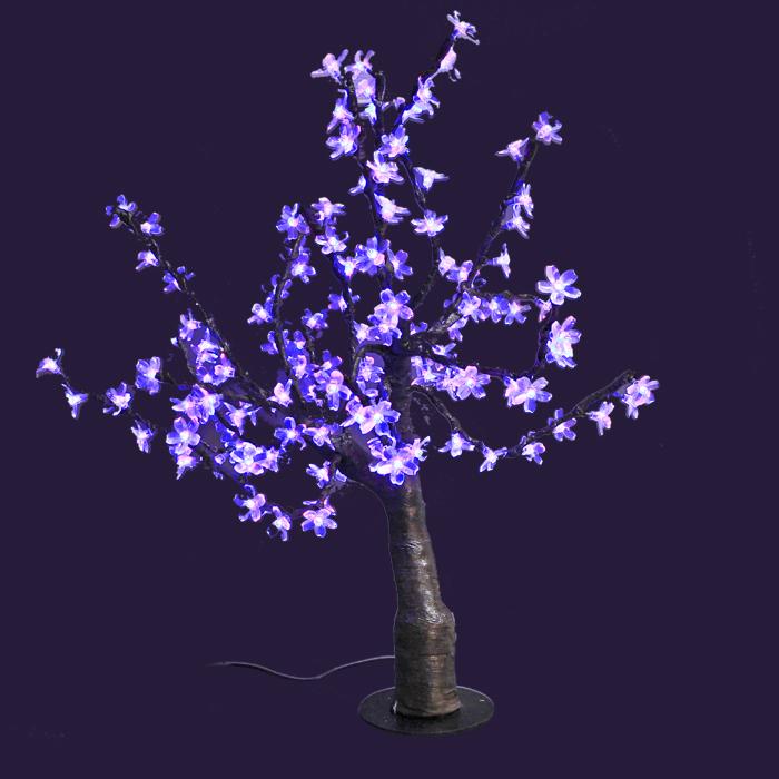 Светодиодное дерево Сакура, цвет: мультиколор55035Сакура - это не просто дерево. Это дерево - символ удачи, любви, красоты и юности. Светодиодное дерево Сакура представляет собой имитацию цветущей японской сакуры. Оно используется для декоративного освещения интерьеров и ландшафтов. Такое дерево с переливающимися огоньками может стать прекрасным украшением для вашего дома, офиса, торгового зала, кафе ресторана или загородного участка. Оно создаст уют и придаст оригинальный стиль и необходимый вам колорит независимо от времени года. Конструкция имеет лекгосплавной каркас в оболочке из темного пластика. На ветках дерева расположены яркие светодиодные гирлянды (переливающиеся и меняющие цвет) с силиконовыми насадками (цветками). Светодиодное дерево выглядит очень натурально. Питание осуществляется через сетевой трансформатор, поэтому изделие является низковольтным и может использоваться в уличных условиях. В комплект также входит пульт дистанционного управления. Характеристики: Материал:пластик, силикон, металл. Высота:80 см. Диаметр основания:19 см. Количество веток:16 шт. Варианты свечения:красный, зеленый, синий, мультиколор, стробоскоп, фейд, флеш. Количество ламп:384 шт. Напряжение питания:24 V. Мощность:70 Вт. Влагозащита:IP-64. Вес:6,5 кг. Размер упаковки:30 см х 61 см х 27 см. Производитель: Китай. Артикул: LED-T-М.