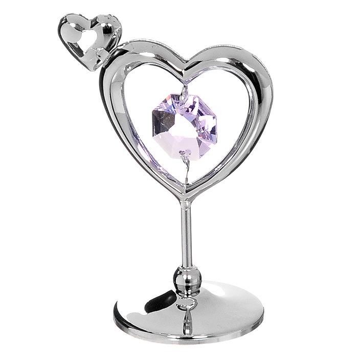 Миниатюра Сердечко, цвет: серебристый, 5,5 смV3469/5Миниатюра Сердечко серебристого цвета станет необычным аксессуаром для вашего интерьера и создаст незабываемую атмосферу. Кристаллы, украшающие сувенир, носят громкое имя Swarovski. Ограненные, как бриллианты, кристаллы блистают сотнями тысяч различных оттенков.Эта очаровательная вещь послужит отличным подарком близкому человеку, родственнику или другу, а также подарит приятные мгновения и окунет вас в лучшие воспоминания. Характеристики: Материал: металл, австрийские кристаллы. Высота миниатюры:5,5 см. Цвет: серебристый. Размер упаковки: 5 см х 7,5 см х 3,5 см. Изготовитель: Китай. Артикул: U0229-001-CVL. Более чем 30 лет назад компанияCrystocraftвыросла из ведущего производителя в перспективную торговую марку, которая задает тенденцию благодаря безупречному чувству красоты и стиля. Компания создает изящные, качественные, яркие сувениры, декорированные кристалламиSwarovskiразличных размеров и оттенков, сочетающие в себе превосходное мастерство обработки металлов и самое высокое качество кристаллов. Каждое изделие оформлено в индивидуальной подарочной упаковке, что придает ему завершенный и презентабельный вид.