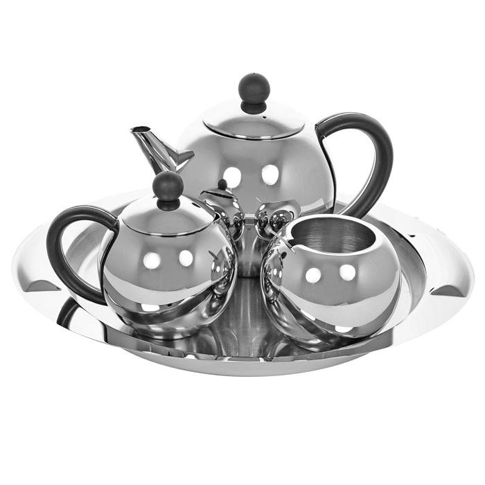 Набор чайный Vitesse Esperanza, 5 предметов. VS-1248VT-1520(SR)Чайный набор Vitesse Esperanza включает: сервировочный поднос, заварочный чайник с ситечком, молочник, сахарницу с ложкой. Предметы набора выполнены из высококачественной полированной стали марки 18/10. Набор можно также можно использовать для подачи кофе.Предметы набора можно мыть в посудомоечной машине.Чайный набор Vitesse Esperanza придется по вкусу и ценителям традиций, и новаторам. Характеристики: Материал: сталь, пластик. Размер подноса: 34 см х 28 см. Объем чайника: 1 л. Диаметр чайника по верхнему краю: 8 см. Наибольший диаметр чайника: 14,5 см. Диаметр основания чайника: 7 см. Высота чайника (без крышки): 11,5 см. Объем сахарницы: 380 мл. Диаметр сахарницы по верхнему краю: 6,5 см. Наибольший диаметр сахарницы: 9,5 см. Диаметр основания сахарницы: 4,7 см. Высота сахарницы (без крышки): 7,7 см. Объем молочника: 400 мл. Высота молочника: 8,7 см. Длина ложки: 11,5 см. Размер упаковки: 33 см х 27 см х 12,5 см. Изготовитель: Китай. Артикул: VS-1248.