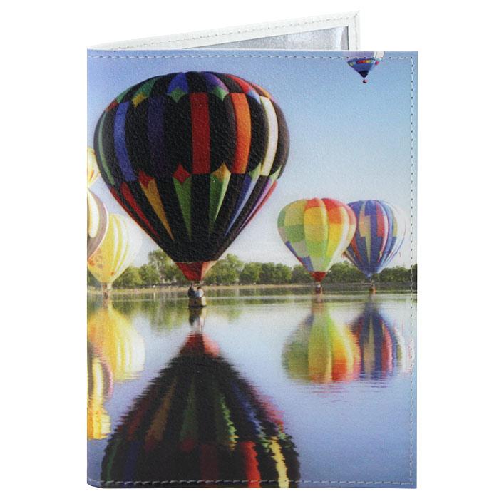 Обложка для паспорта Perfecto Воздушные шары. PS-PR-0037OK432Обложка для паспорта Воздушные шары, выполненная из натуральной кожи, оформлена изображением красочных воздушных шаров над водой. Такая обложка не только поможет сохранить внешний вид ваших документов и защитит их от повреждений, но и станет стильным аксессуаром, идеально подходящим вашему образу. Яркая и оригинальная обложка подчеркнет вашу индивидуальность и изысканный вкус. Обложка для паспорта стильного дизайна может быть достойным и оригинальным подарком.Характеристики: Материал: натуральная кожа, пластик.Размер (в сложенном виде): 9,5 см x 13,5 см.Производитель: Россия.Артикул: PS-PR-0037.