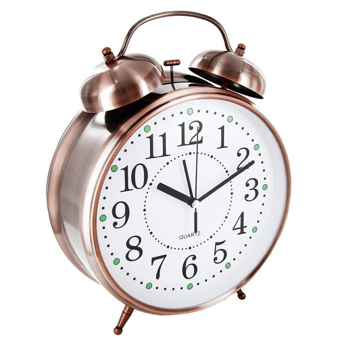 Часы-будильник Гигант, с подсветкой, цвет: медный92268Каждое утро вы боитесь проспать? Будьте абсолютно уверены в том, что с таким будильником вам точно не удастся снова уснуть! Теперь вы сможете просыпаться утром под звуки стильного классического будильника Гигант. Большого размера будильник украсит вашу комнату и приведет в восхищение друзей. Будильник работает от батареек. На задней панели будильника расположены переключатель включения/выключения механизма и два колесика для настройки текущего времени и времени звонка будильника. Характеристики: Размер будильника:22 см х 30,5 см х 8 см. Диаметр циферблата: 19,5 см. Цвет: медный. Материал:пластик, металл, стекло. Размер упаковки:31 см х 24 см х 8,5 см. Производитель:Китай. Артикул: 92268. Необходимо докупить 3 батареи напряжением 1,5V типа (не входят в комплект).
