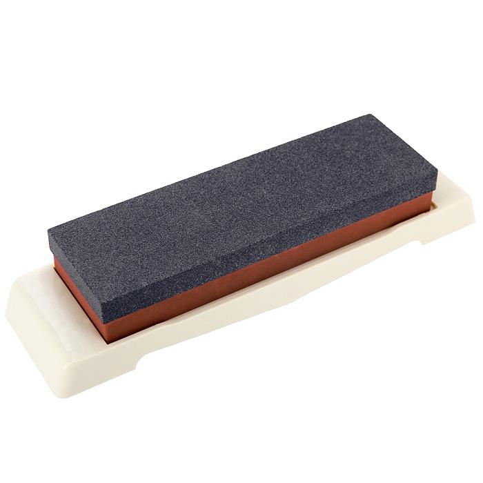 Камень точильный Naniwa, комбинированный, # 120/100054 009312Комбинированный точильный камень Naniwa предназначен для заточки кухонных ножей. Камень имеет два типа поверхности: крупной зернистости (#0120) для предварительной заточки и средней зернистости (#1000) для основной заточки лезвия. Перед использованием камень необходимо замочить в воде на 3-5 минут. Точильный камень хранится на пластиковой подставке. Характеристики:Материал:абразивные материалы, пластик. Размер камня:17,5 см х 5,5 см х 2,5 см. Зернистость:# 120/1000. Размер подставки:23 см х 6,3 см х 1,7 см. Размер упаковки: 23,5 см х 7 см х 4 см. Производитель: Япония. Артикул: QA-0123.