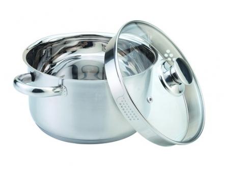 Кастрюля Supra Yumi с крышкой, 2,2 л68/5/4Кастрюля Supra Yumi изготовлена из высококачественной нержавеющей стали марки 18/10. Комбинирование зеркальной и матовой полировки поверхности кастрюли придает ей привлекательный внешний вид. На внутренней стороне имеется шкала литража, что обеспечивает дополнительное удобство при приготовлении пищи. Капсулированное дно с вплавленной алюминиевой прослойкой позволяет равномерно распределять и значительно дольше сохранять тепло в посуде, а также предотвращает пригорание пищи и обеспечивает более быстрое приготовление блюд с сохранением вкусовых и полезных свойств продуктов.Удобные ненагревающиеся ручки, выполненные из нержавеющей стали, надежно крепятся к корпусу кастрюли. Крышка, выполненная из термостойкого стекла, позволит вам следить за процессом приготовления пищи. Она имеет отверстия для выхода пара и слива жидкости и металлический обод. Крышка плотно прилегает к краю кастрюли, предотвращая проливание жидкости и сохраняя аромат блюд. Кастрюля подходит для использования на всех типах плит, включая индукционные. Также изделие можно мыть в посудомоечной машине. Характеристики:Материал: нержавеющая сталь, алюминий, стекло. Внутренний диаметр кастрюли:18 см.Высота стенки кастрюли:10 см. Объем кастрюли:2,2 л.Размер упаковки:26 см х 13 см х 20 см. Производитель:Япония.Изготовитель:Китай.Артикул:SYS-N1843C. Посуда компании Supra - яркое воплощение традиционного японского качества. Она изготовлена из экологически чистых материалов с использованием современных технологий и отличается высокой прочностью. Каждое изделие проходит строгий контроль качества на нескольких этапах производства.УВАЖАЕМЫЕ КЛИЕНТЫ!Обращаем ваше внимание на тот факт, что объем кастрюли указан максимальный, с учетом полного наполнения до кромки, шкала на внутренней стенке имеет меньший литраж.