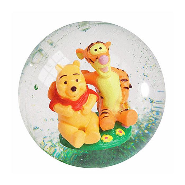 """Мяч 3D """"Винни Пух"""" привлечет внимание вашего малыша и порадует его пружинистыми скачками. Мячик-попрыгунчик - игрушка, проверенная временем. Только со временем он стал еще и очень красивым. Внутри прозрачного мячика, наполненного жидкостью с блетсками, расположены фигурки Винни Пуха и Тигры. Такой мячик прекрасно подходит для всевозможных подвижных игр и развивает координацию движений, глазомер и внимание ребенка."""