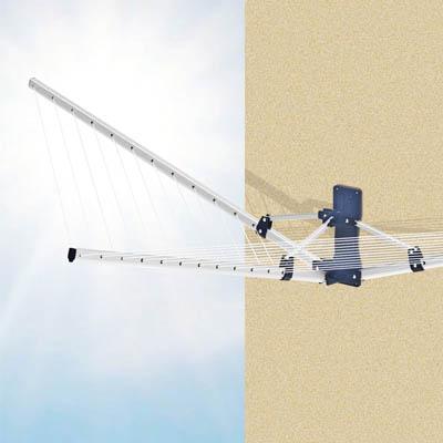 Сушилка Garden Spider, настеннаяIR-F1-WНастенная сушилка для белья Garden Spider, изготовленная из алюминиевого сплава, проста и удобна в использовании. Она компактно складывается, экономя место в вашей квартире. Сушилку можно использовать на балконе или дома. В комплект входят два настенных крепления. Характеристики:Материал: пластик, алюминиевый сплав. Общая длина веревки: 18 м. Максимальная нагрузка: 18 кг. Размер корпуса: 103 см х 195 см х 48 см. Расстояние между веревками: 7 см. Размер упаковки: 104 см х 11 см х 10 см. Артикул: 10250400.