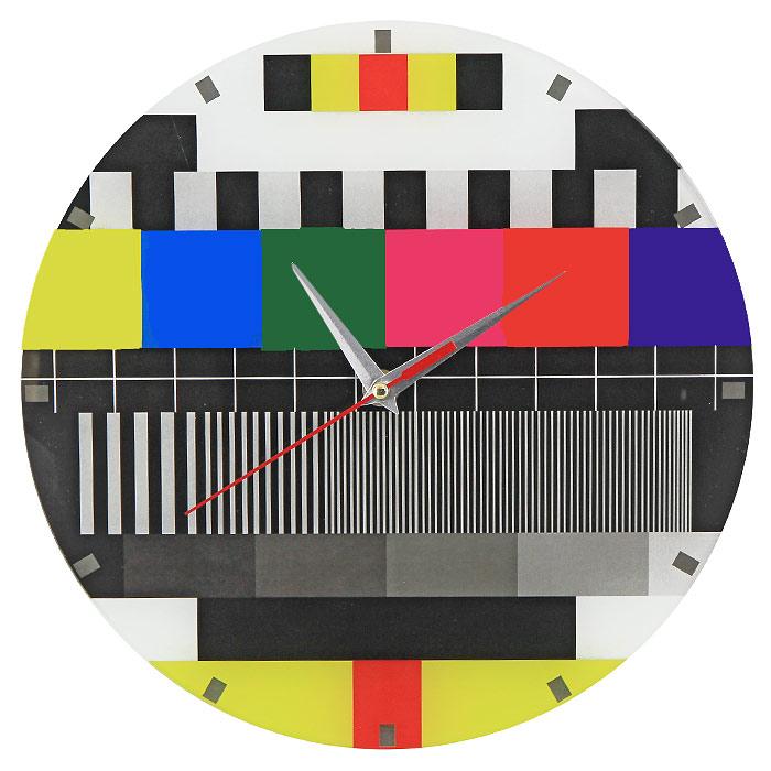 Часы настенные Профилактика ТВ93277Настенные кварцевые часы Профилактика ТВ своим необычным дизайном подчеркнут стильность и оригинальность интерьера вашего дома. Циферблат часов выполнен из стекла и оформлен ярким изображением. Часы имеют три стрелки - часовую, минутную и секундную. На задней стенке часов расположена металлическая петелька для подвешивания.Такие часы послужат отличным подарком для ценителя ярких и необычных вещей. Характеристики:Материал: стекло, металл. Диаметр часов:28 см. Размер упаковки:30 см х 29 см х 5 см. Изготовитель:Россия. Артикул:93279. Рекомендуется докупить батарейку типа АА (не входит в комплект).