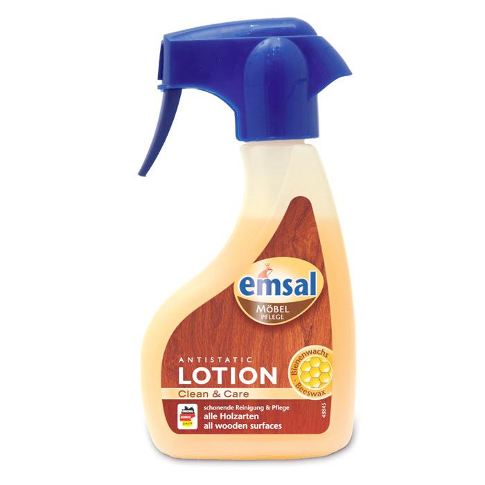 Лосьон для деревянных поверхностей Emsal, с распылителем, 250 млPR-2WЛосьон Emsal быстро убирает пыль, пятна жира и воды со всех видов деревянных поверхностей. Благодаря натуральному пчелиному воску бережно ухаживает за поверхностью. Не требует дополнительной полировки, создает антистатический эффект против пыли. Не содержит силикона. Характеристики:Объем: 250 мл. Состав: Производитель: Германия.