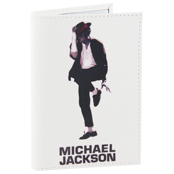 Обложка для паспорта Майкл Джексон. OK062OZAM084Обложка для паспорта, выполненная из натуральной кожи белого цвета, оформлена изображением Майкла Джексона. Такая обложка не только поможет сохранить внешний вид ваших документов и защитит их от повреждений, но и станет стильным аксессуаром, идеально подходящим вашему образу. Яркая и оригинальная обложка подчеркнет вашу индивидуальность и изысканный вкус. Обложка для паспорта стильного дизайна может быть достойным и оригинальным подарком. Характеристики: Материал: натуральная кожа, пластик. Размер (в сложенном виде): 9,5 см х 14 см. Производитель:Россия. Артикул:OK62.