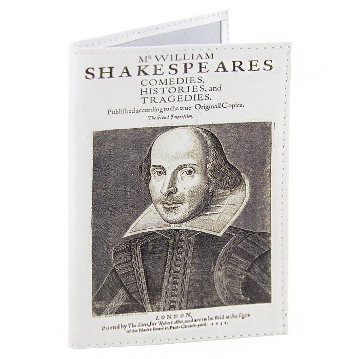 Обложка для паспорта Шекспир. OK078OK431Обложка для паспорта Шекспир, выполненная из натуральной кожи, оформлена изображением портрета Шекспира. Такая обложка не только поможет сохранить внешний вид ваших документов и защитит их от повреждений, но и станет стильным аксессуаром, идеально подходящим вашему образу. Яркая и оригинальная обложка подчеркнет вашу индивидуальность и изысканный вкус. Обложка для паспорта стильного дизайна может быть достойным и оригинальным подарком.