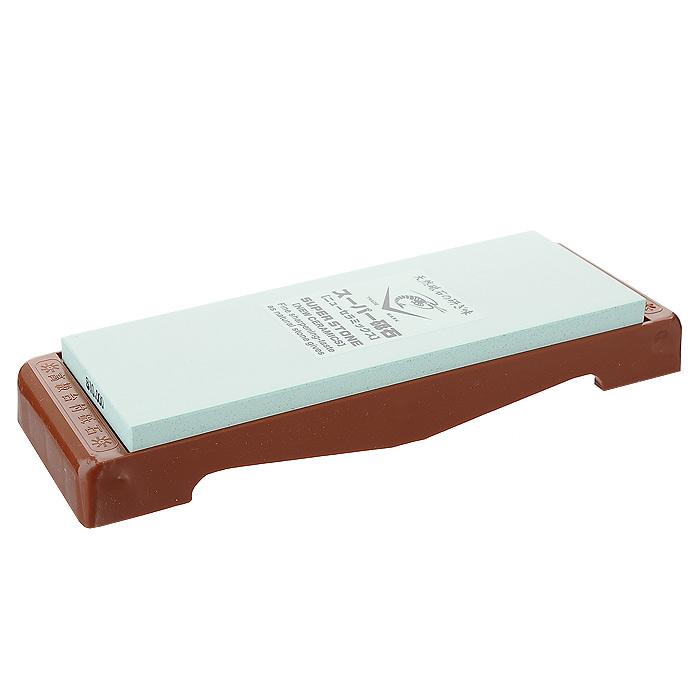 Камень точильный Super, финишный, # 10000FS-91909Точильный камень Super предназначен для заточки кухонных ножей. Камень разработан специально для тонкой отделки и полировки. Перед использованием камень необходимо замочить в воде на 3-5 минут. Точильный камень закреплен на пластиковой подставке. Характеристики:Материал:абразивные материалы, пластик. Размер камня:21 см х 7 см х 1 см. Зернистость:# 10000. Размер подставки:25 см х 2,5 см х 7,8 см. Размер упаковки: 26 см х 4 см х 8,5 см. Производитель: Япония. Артикул: IN-2090.