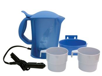Чайник Kioki, автомобильный, цвет: голубой, 0,8 л, 12ВVCA-00Автомобильный чайник Kioki работает от гнезда прикуривателя 12В. Чайник с удобной ручкой, с фиксируемой крышкой. Имеет удобную подставку на винтах, которая позволяет установить чайник в любом удобном месте, надежно удерживая его во время движения. Резервуар для воды оснащен съемным фильтром, защищающим воду от накипи. В комплект входят две чашки.Чайник выполнен из высококачественного термостойкого пластика. Нагревательный элемент из нержавеющей стали, также имеется световой индикатор включения. Чайник поможет всего за несколько минут получить горячую воду, чтобы приготовить чай, кофе или заварить обед. Такой чайник может стать отличным подарком для любого автомобилиста! Характеристики: Материал:пластик. Высота чайника: 19,5 см. Объем: 0,8 л. Длина шнура: 1,2 м. Напряжение: 12В. Мощность: 120 Ватт. Производитель: Китай. Артикул: 12V20.