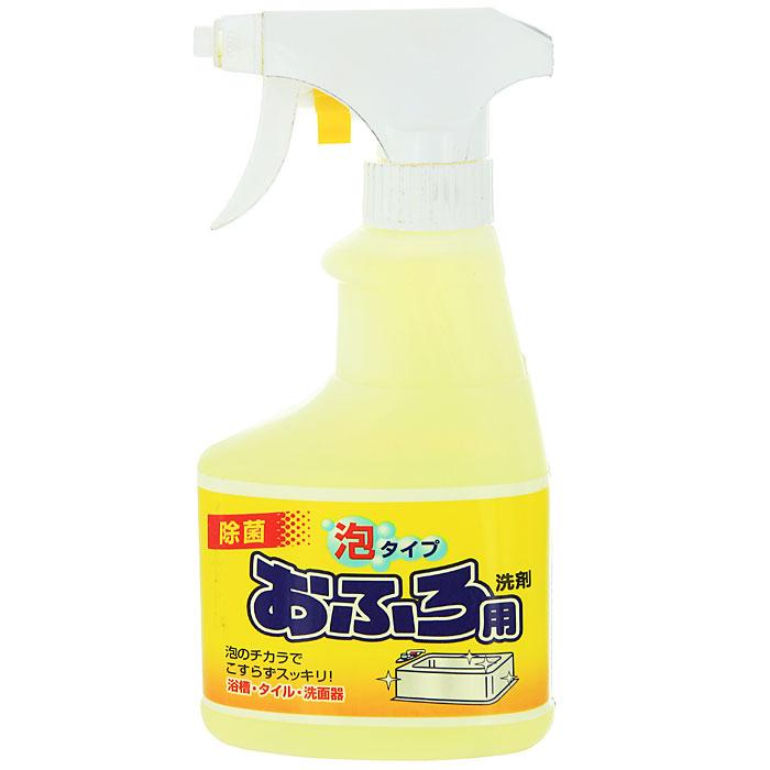 Чистящий спрей Rocket Soap для ванны, 300 мл301468Спрей Rocket Soap предназначен для чистки ванной. Он имеет среднюю щелочность и содержит ионы. Средство хорошо пенится и превосходно очищает любые загрязнения. После уборки оставляет приятный аромат. Эргономичный флакон оснащен высоконадежным курковым распылителем, позволяющим легко и экономично наносить раствор на загрязненную поверхность. Характеристики:Объем: 300 мл. Производитель:Япония.Товар сертифицирован.