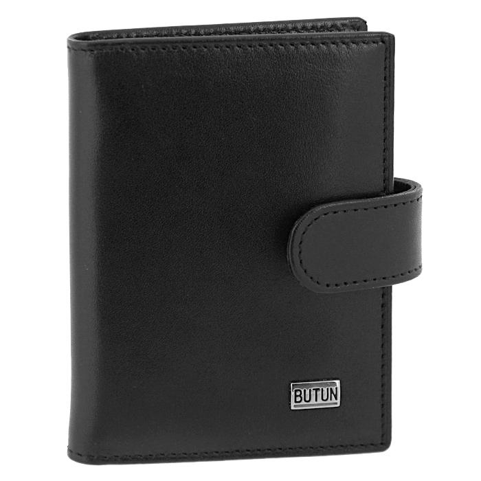 Футляр для визиток Butun, цвет: черный. 152-024 001993224Футляр для визиток Butun - это стильный аксессуар, который не только сохранит визитки и кредитные карты в порядке, но и, благодаря своему строгому дизайну и высокому качеству исполнения, блестяще подчеркнет тонкий вкус своего обладателя. Футляр выполнен из гладкой натуральной кожи черного цвета и содержит внутри съемный блок из 20 прозрачных пластиковых вкладышей, рассчитанных на 40 визиток, и два дополнительных боковых кармана. Внутренняя поверхность футляра отделана мягким черным текстилем. Футляр закрывается на клапан с металлической кнопкой. Футляр для визиток Butun станет великолепным подарком ценителю современных практичных вещей. Футляр упакован в фирменную коробку из плотного картона. Характеристики: Материал: натуральная кожа, текстиль, пластик, металл. Размер футляра (в сложенном виде):11 см x 7,5 см x 1,5 см. Размер упаковки12 см x 10,5 см x 2,5 см. Цвет:черный. Производитель:Италия. Изготовитель:Турция. Артикул:152-024 001.