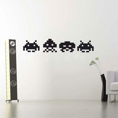 Стикер Paristic Space Invaders, цвет: черный, 33 х 44 см119894Стикер Paristic Space Invaders - это уникальная возможность создать неповторимый индивидуальный облик интерьера вашего дома. Стикер, изображающий инопланетян из популярной видеоигры, выполнен из матового винила - тонкого эластичного материала, который хорошо прилегает к любым гладким и чистым поверхностям, легко моется и держится до семи лет, при снятии не оставляет следов. Изображения можно разделить и, разместив их в разных местах, создать целую композицию.Такой оригинальный элемент декора придаст интерьеру креативность и новое настроение и станет необычным украшением, притягивающим заинтересованные взгляды окружающих.В комплекте со стикером предусмотрена подробная инструкция по наклеиванию (на русском языке). Характеристики: Материал:винил. Цвет:черный. Размер стикера (В х Ш): 33 см х 44 см. Размер упаковки: 48,5 см х 35 см. Производитель: Франция. Paristic - это стикеры высокого качества. Художественно выполненные стикеры, создающие эффект обмана зрения, дают необычную возможность использовать в своем интерьере элементы городского пейзажа. Продукция представлена широким ассортиментом - в зависимости от формы выбранного рисунка и от Ваших предпочтений стикеры могут иметь разный размер и разный цвет (12 вариантов помимо классического черного и белого). В коллекции Paristic - авторские работы от урбанистических зарисовок и узнаваемых парижских мотивов до природных и графических объектов. Идеи французских дизайнеров украсят любой интерьер: Paristic -это простой и оригинальный способ создать уникальную атмосферу как в современной гостиной и детской комнате, так и в офисе.В настоящее время производство стикеров Paristic ведется в России при строгом соблюдении качества продукции и по оригинальному французскому дизайну.