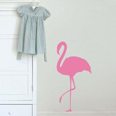 Стикер Paristic Розовый фламинго № 1, цвет: розовый, 33 х 66 смTHN132NСтикер Paristic Розовый фламинго - это уникальная возможность придать интерьеру неповторимый индивидуальный облик. Стикер с изображением силуэта розового фламинго создаст в доме невероятную атмосферу тепла, уюта и радости.Стикер выполнен из матового винила- тонкого эластичного материала, который хорошо прилегает к любым гладким и чистым поверхностям, легко моется и держится до семи лет, при снятии не оставляет следов.Такой оригинальный элемент декора наполнит интерьер креативностью, яркими красками и солнечным настроением и станет великолепным украшением, притягивающим заинтересованные взгляды окружающих.В комплекте со стикером предусмотрена подробная инструкция по наклеиванию (на русском языке). Характеристики: Материал:винил. Цвет:розовый. Размер стикера (B x Ш): 66 см х 33 см. Размер упаковки: 48,5 см х 35 см.Производитель: Франция. Paristic - это стикеры высокого качества. Художественно выполненные стикеры, создающие эффект обмана зрения, дают необычную возможность использовать в своем интерьере элементы городского пейзажа. Продукция представлена широким ассортиментом - в зависимости от формы выбранного рисунка и от Ваших предпочтений стикеры могут иметь разный размер и разный цвет (12 вариантов помимо классического черного и белого). В коллекции Paristic - авторские работы от урбанистических зарисовок и узнаваемых парижских мотивов до природных и графических объектов. Идеи французских дизайнеров украсят любой интерьер: Paristic -это простой и оригинальный способ создать уникальную атмосферу как в современной гостиной и детской комнате, так и в офисе.В настоящее время производство стикеров Paristic ведется в России при строгом соблюдении качества продукции и по оригинальному французскому дизайну.