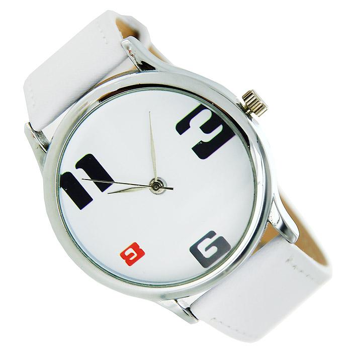 Часы Mitya Veselkov 3-6-8-11. MV.White-19BM8434-58AEНаручные часы Mitya Veselkov 3-6-8-11 созданы для современных людей. Часы оснащены японским кварцевым механизмом. Ремешок выполнен из натуральной кожи белого цвета, корпус изготовлен из стали серебристого цвета. Циферблат оформлен изображением цифр 3-6-8-11. Характеристики: Материал: натуральная кожа, сталь. Стекло: минеральное. Механизм: Citizen. Длина ремешка (с корпусом): 23 см. Ширина ремешка: 2 см. Диаметр корпуса: 3,7 см. Размер упаковки: 8,5 см х 8,5 см х 6,5 см. Артикул: MV.White-19. Производитель: Россия. Идея компании Mitya Veselkov возникла совершенно случайно. Просто один творческий человек и талантливый организатор решил делать людям необычные часы. Затем родилась идея открыть магазин и дать другим людям возможность приобретения этого красивого продукта. Теперь Mitya Veselkov - перспективный коммерческий проект, создающий не только часы, но и сумки, подушки, футболки и даже запонки. Часы, вещи и сувениры от Mitya Veselkov - это вещи с изюминкой, которые ценны своим оригинальным дизайном.